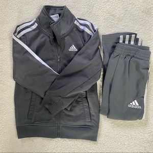 Adidas Iconic Tricot Jacket+Pants Boys 4 Dark Gray